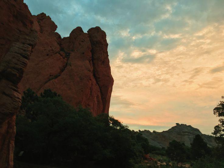 Colorado Springs, Garden of the Gods, Manitou Springs. Colorado Springs, Colorado, USA. Travel Photo. Garden of the Gods. сад богов, сад богов колорадо, сад богов колорадо спрингс