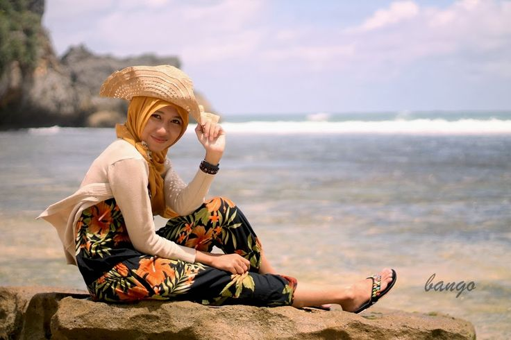 Imaji artwork: Hijab Style (Beach) Photoshoot