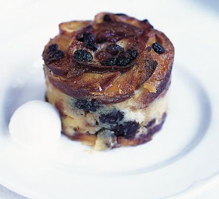 Bread & butter pudding with Baileys... I am not a baker, but I am making this soon! Gordon Ramsey recipe