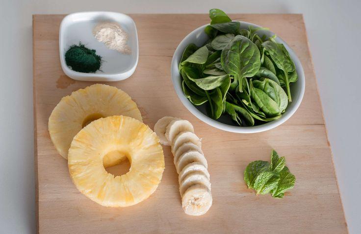Smoothie de ananás com espinafres, baobab e spirulina