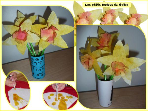 Bricolage enfants pour le printemps. Bouquets de jonquilles