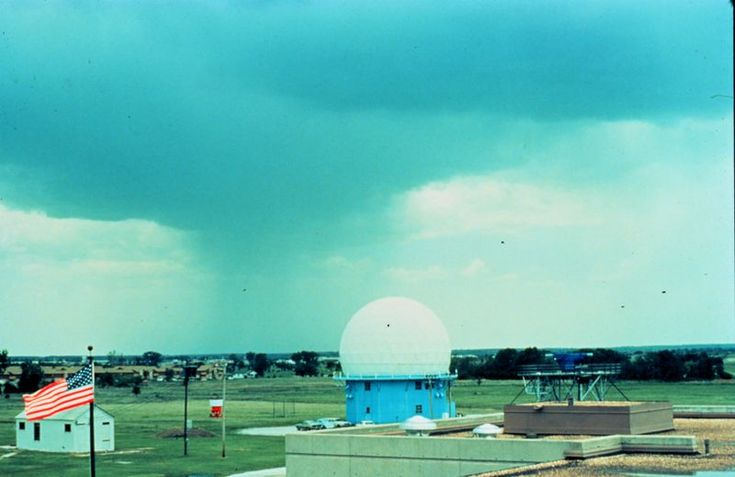 Weather radar in Norman, Oklahoma with rainshaft