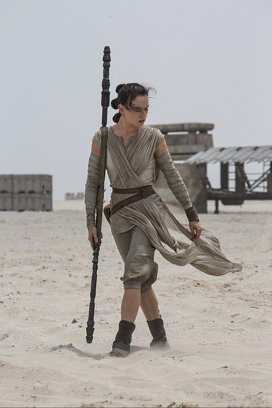 """""""Star Wars"""", svelato il risveglio della Forza. E i critici lo promuovono all'unanimità"""
