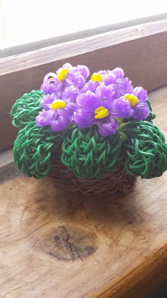 Rainbow Loom Band Flower Basket | 24 Awesome Rainbow Loom Creations, #3 Is Simply Incredible | ViralVortex