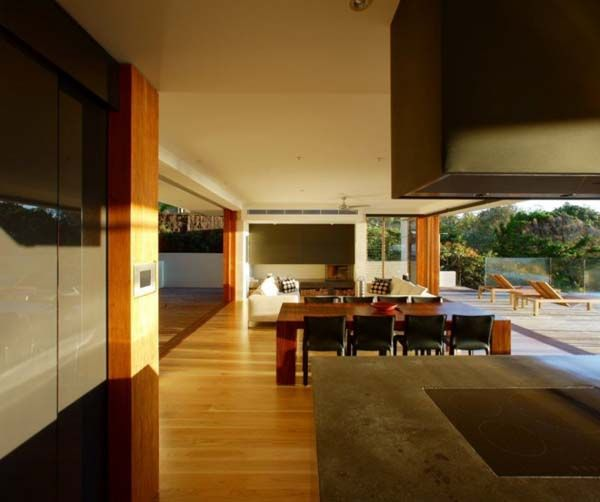 Exquisite Holiday Retreat The Peregian House By Middap Ditchfield Architects