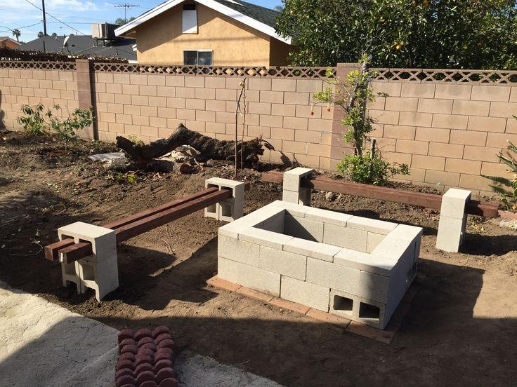 25 best ideas about cinder block fire pit on pinterest cinder block bench cinder block. Black Bedroom Furniture Sets. Home Design Ideas