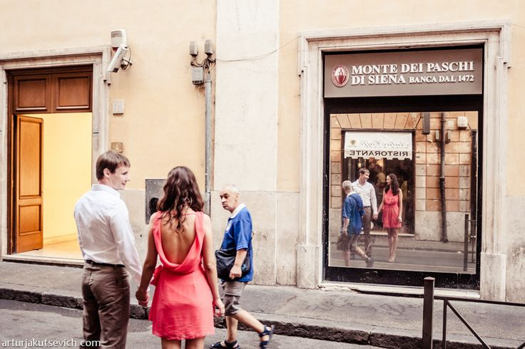 Engagement in Italy by wedding photographer in Rome | by photographer Artur Jakutsevich based in Rome, Italy