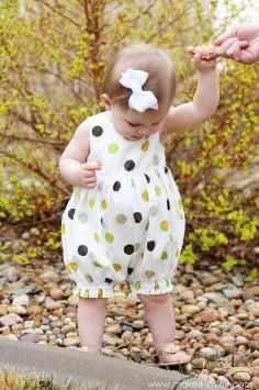 Turn a Baby Dress into a Bubble Romper -- Absolutely adorable! Will use this tutorial. & Best 25+ Pillowcase romper tutorial ideas on Pinterest | Romper ... pillowsntoast.com