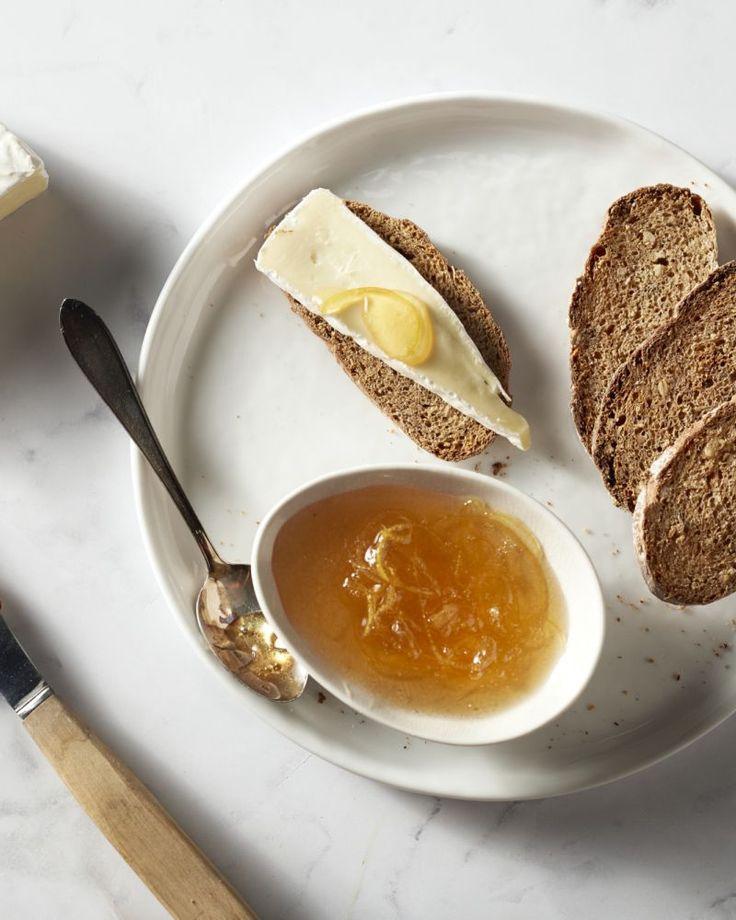 Een origineel en fris recept voor citroenmarmelade, rechtstreeks uit Griekenland! Gebruik bij voorkeur biologische citroenen.