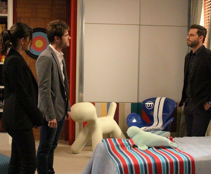 Gabo questiona os dois estarem juntos ali (Foto: Rodrigo Dau/Gshow)