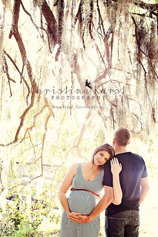 Maternity Photography Love but want to change how Matt would pose upper body