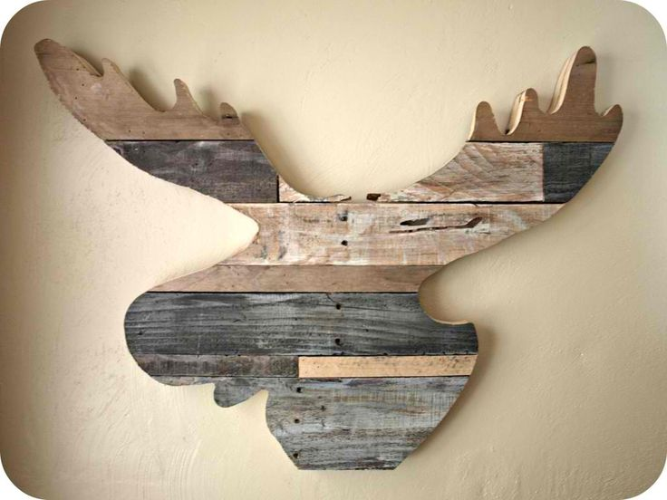 Moose Head | 21 Super Cool Reclaimed Wood Craft DIY Ideas