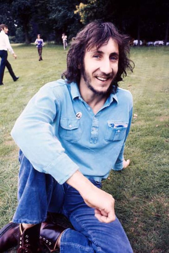 Pete Townshend (smiling!)