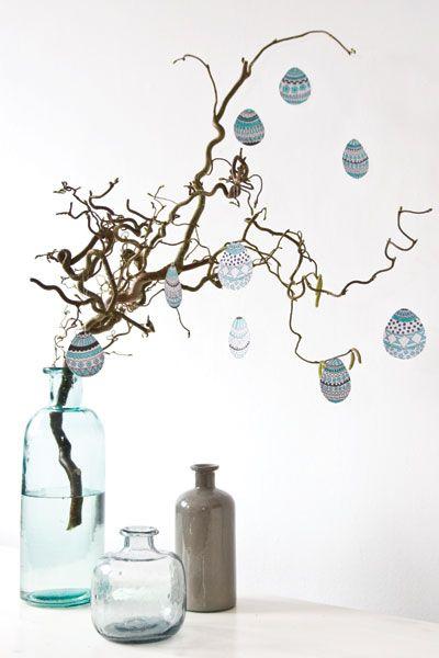 Haal Pasen in huis met onze paas-printable en knutsel zelf een paastak die goed past in je interieur - #wonenvoorjou