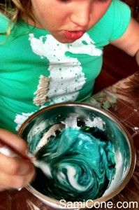 how to make goo color swirl 199x300 How to Make Goo {Picture Recipe Tutorial}