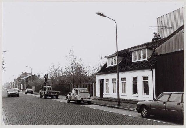 Houthandel Schoonhoff aan de IJmuiderstraatweg