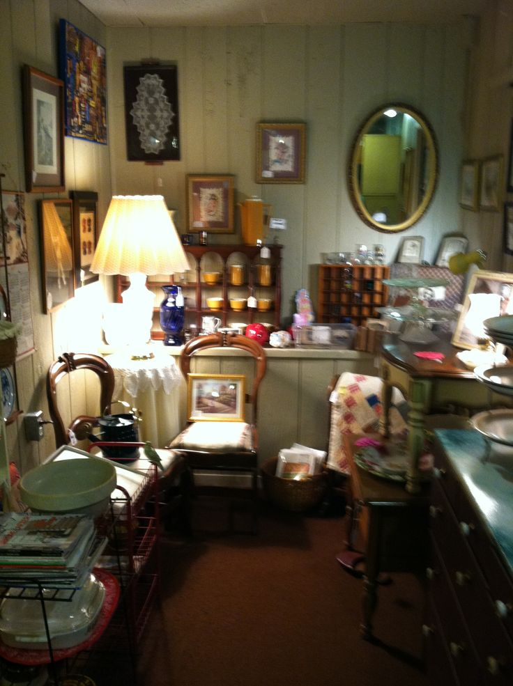 10 best images about antique booth display ideas on pinterest vintage clocks jewelry displays - Peddlers home design ...