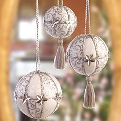 17 best images about crafts christmas ornaments on pinterest beaded christmas ornaments blue. Black Bedroom Furniture Sets. Home Design Ideas