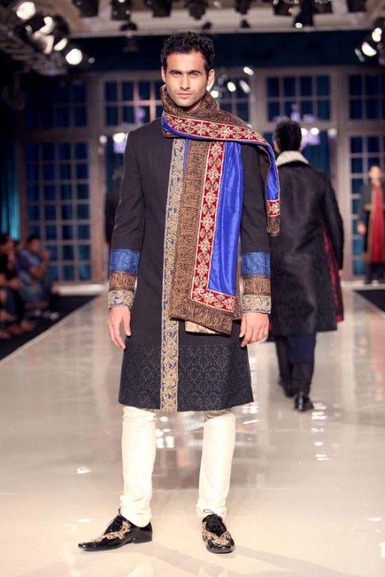 Manish Malhotra Delhi Couture Week 2011 3