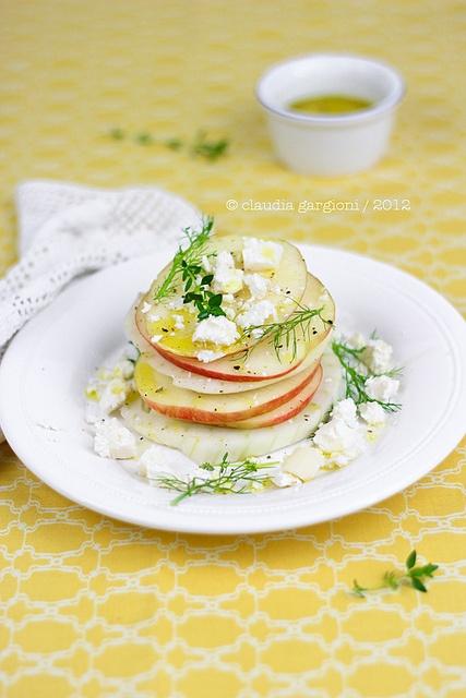 insalata a torretta di finocchi, mele e Salva Sremasco DOP, via Flickr.