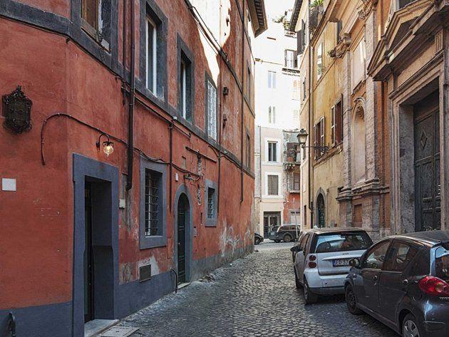 1 tiny house in Italy....vacation?