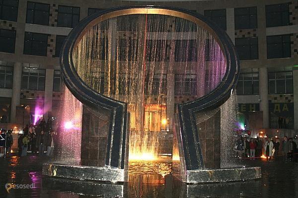 Фонтан Омега – #Россия #Санкт_Петербург (#RU_SPE) Фонтан в виде буквы греческого алфавита на Песочной набережной.  #достопримечательности #путешествия #туризм http://ru.esosedi.org/RU/SPE/1000047347/fontan_omega/