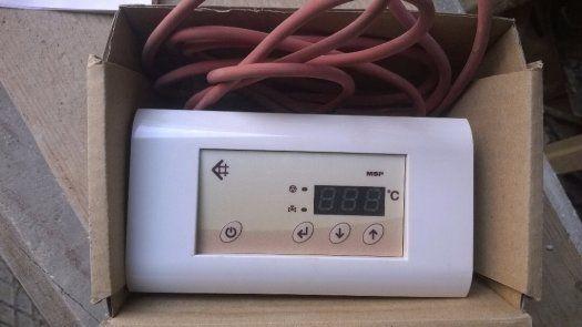 Automaticky ovladač píivodu vzduchu do krbu. - 1