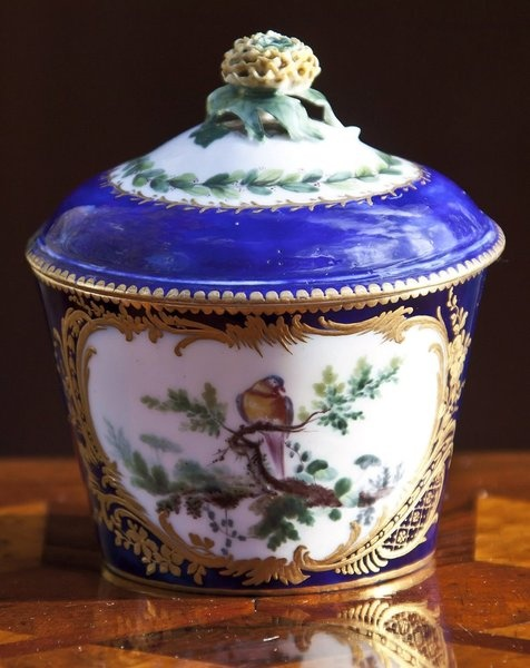 reproduction on an 18th century sugar 18th century reproductions, colonial gifts, historic items, artisans, craftsmanship, daniel boone, tinware, scrimshaw, historic gifts, old toys, porcelain, china.