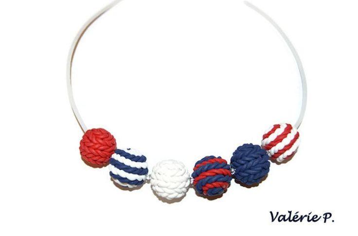 """Collier """"marin"""" perles imitation laine tricotée en pâte polymère fimo : Collier par valerie-p"""