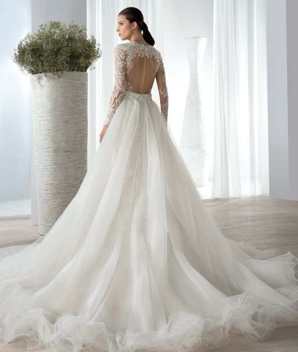 1000  images about Bridal Gowns on Pinterest | Lace gowns, Style ...