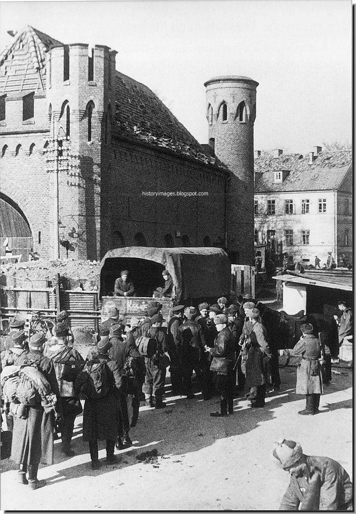 German prisoners at Zakhaymskih gates of Konigsberg, in April 1945.