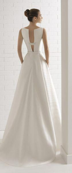 af76cb93b54f gefunden bei Happy Brautmoden Brautkleid elegant