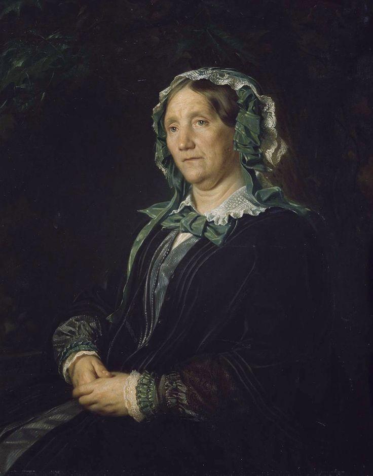 Портрет пожилой женщины в зеленом платье