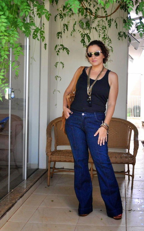 Curvy - Flare Jeans - 70´s - Tank Top - Regata - Calça Jeans Flare - Bolsa de Franjas