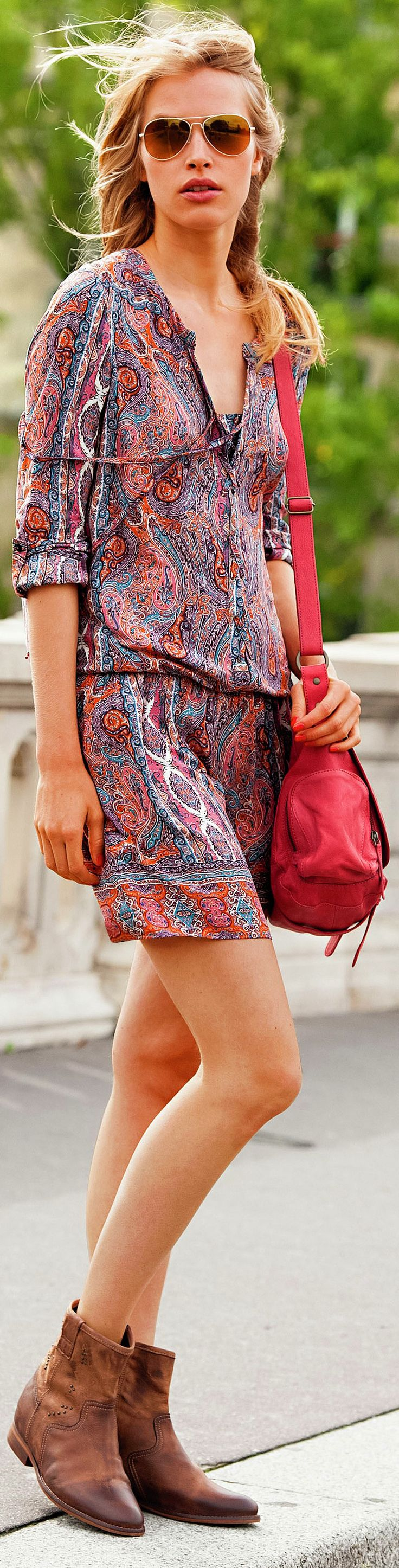 UPDATED ARTICLE - Best Travel Bags for Women - http://www.boomerinas.com/2013/02/02/best-crossbody-bags-for-travel-women-over-40-50-60/