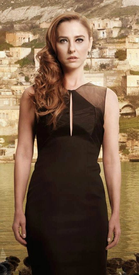 Turkish Actress, Ece Uslu in Karagül TV Series.