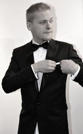 Lue miksi: Smokki on täydellinen miesten hääpuku. #smokki #miesten puvut #puku