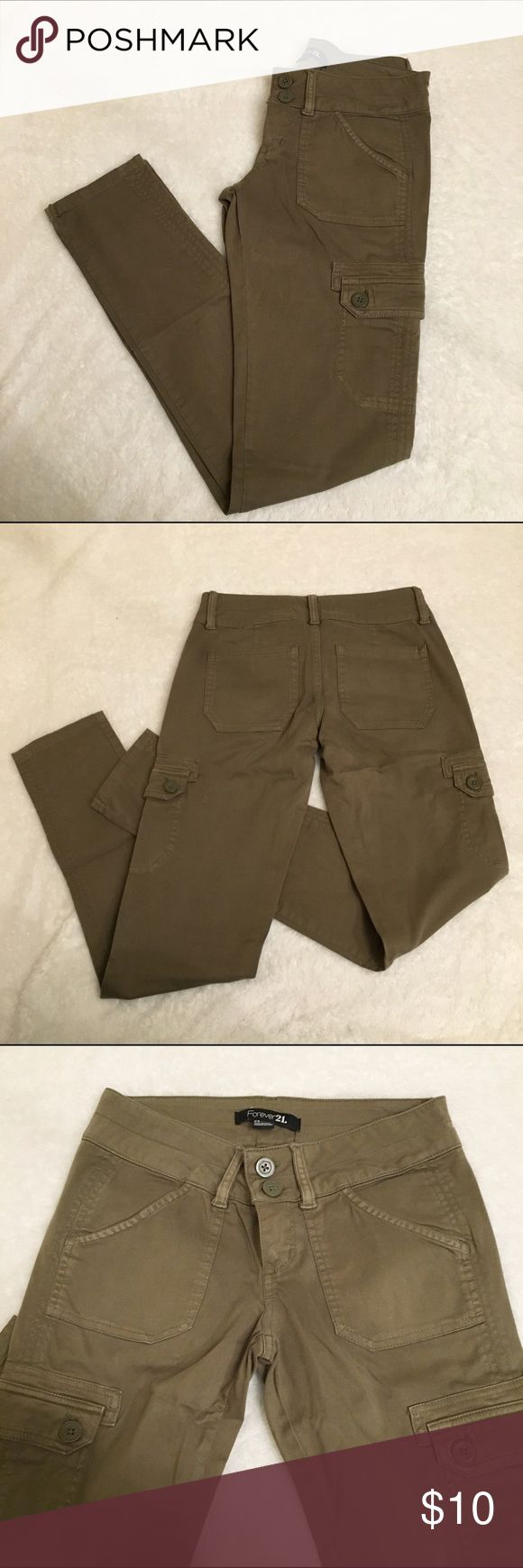 "Forever 21 Skinny Cargo Pants Khaki green colored skinny cargo pants. Size 24. Inseam 30"". Forever 21 Pants"