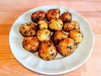 Cartofi noi la cuptor cu marar si usturoi verde