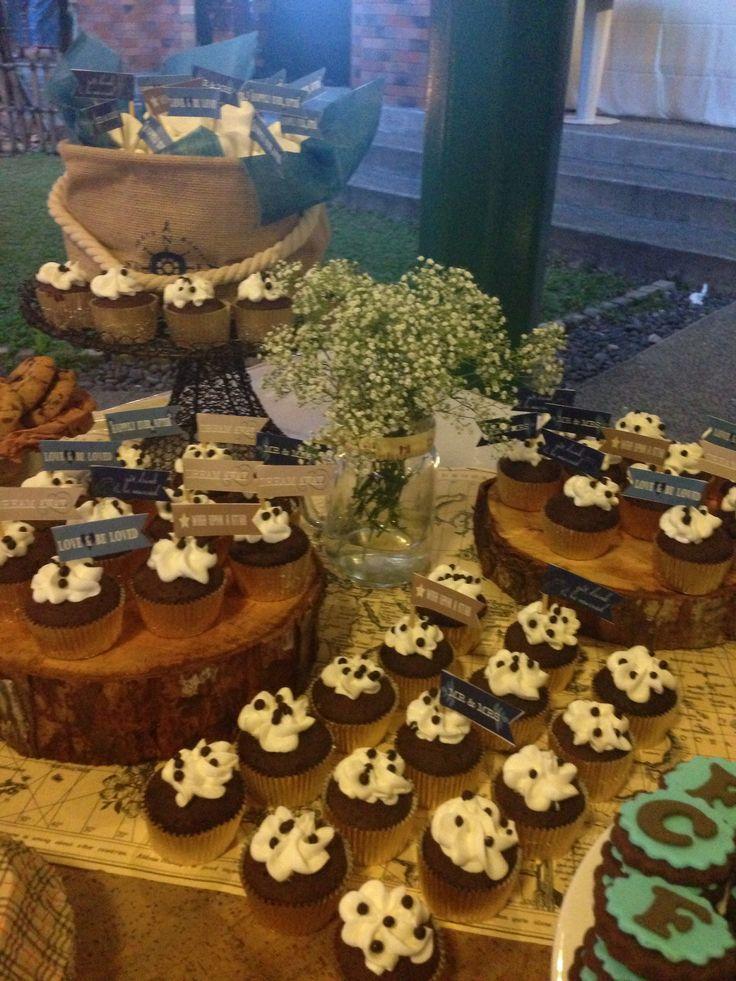 cupcake#rustic#wedding#sweets#dessert#table#raetable