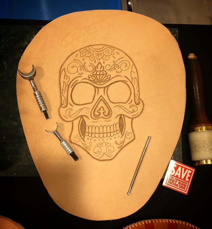 Leathercraft, in progress, Barry king tools, chopper, bobber, kustom kulture, skull, sugar skull, leather tooling, hand made, Motorama Barcelona.