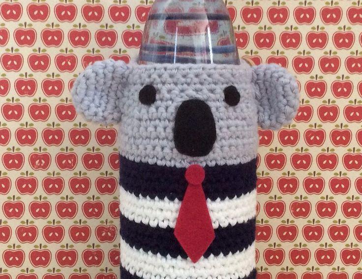 Koala waterflesvriendje door handmadebyZusenFluf op Etsy https://www.etsy.com/nl/listing/234650069/koala-waterflesvriendje