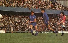 Chelsea 1 Man Utd 3 in Dec 1984 at Stamford Bridge. Mark Hughes scores a fine goal for United #Div1