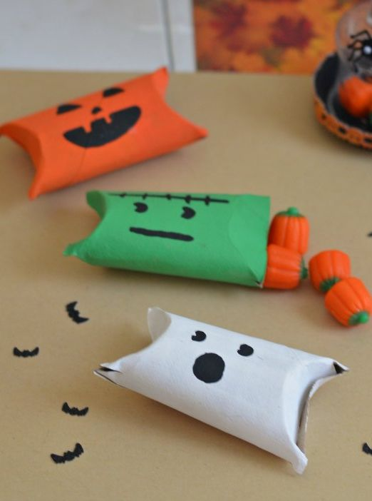 Easy halloween candy holders toilets easy halloween Kids toilet paper holder