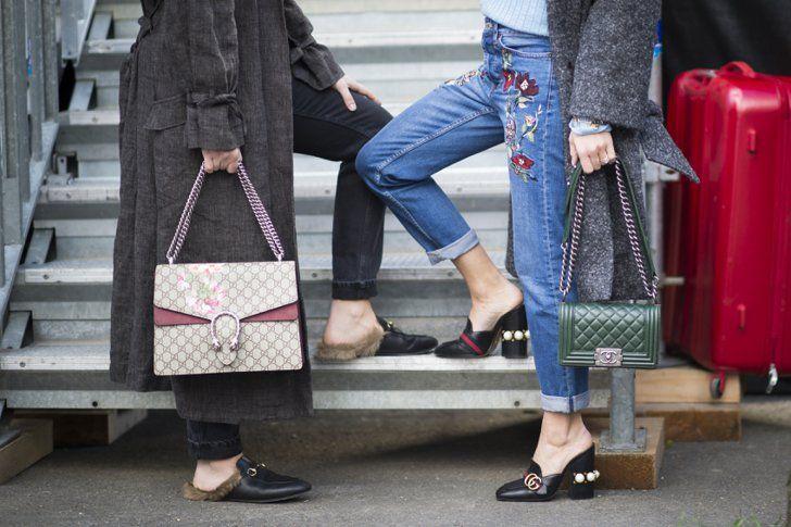 Pin for Later: Oh là là: Die besten Schuhe & Taschen der Paris Fashion Week  Links: Tasche und Schuhe von Gucci; Rechts: Tasche von Chanel und Schuhe von Gucci.