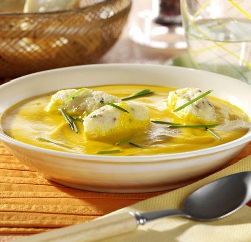 Nice Suppen Rezept Feurige Grie Nockerln in K rbissuppe Wohnen und Garten Foto