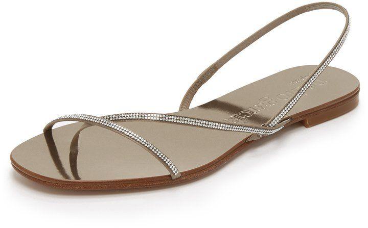 """Pin for Later: 65 flache Schuhe für die Braut, die Komfort bevorzugt  Pedro Garcia """"Edlyn"""" verzierte Sandalen (433 €)"""