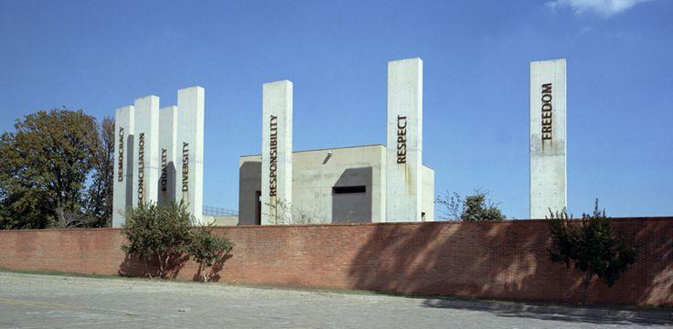 Sights in Johannesburg – Apartheid Museum. Hg2Johannesburg.com.