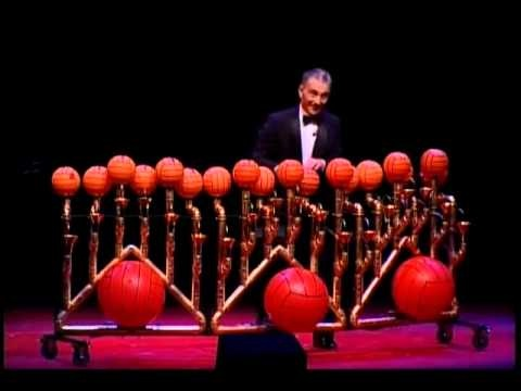 Les Luthiers - Rhapsody in Balls
