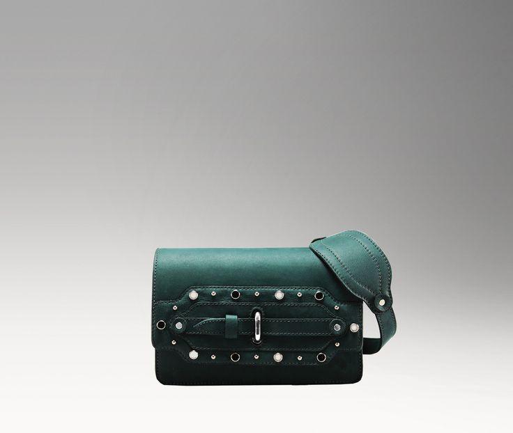"""Un nome di donna, una canzone, una borsa. """"#Maria"""" è la nona #borsa del progetto #RockLadiesCollection, ispirata all'omonimo successo di Blondie. La preziosa #limitededition è disponibile da oggi sulla boutique online #Tramontano: per ogni creazione, una targhetta incisa con un numero identificativo. Conquista la tua borsa in limited edition, da oggi parte il countdown ;) http://tramontano.it/Rock-ladies-collection-113"""